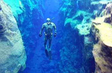 Free diving in Silfra