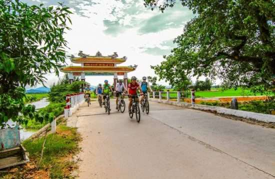 Cycle Saigon to Hanoi